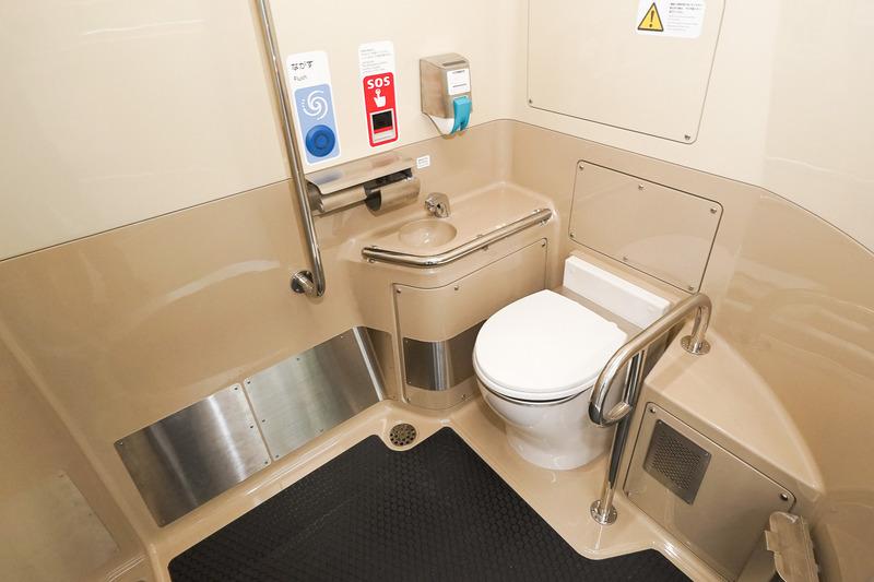 多機能トイレ内部
