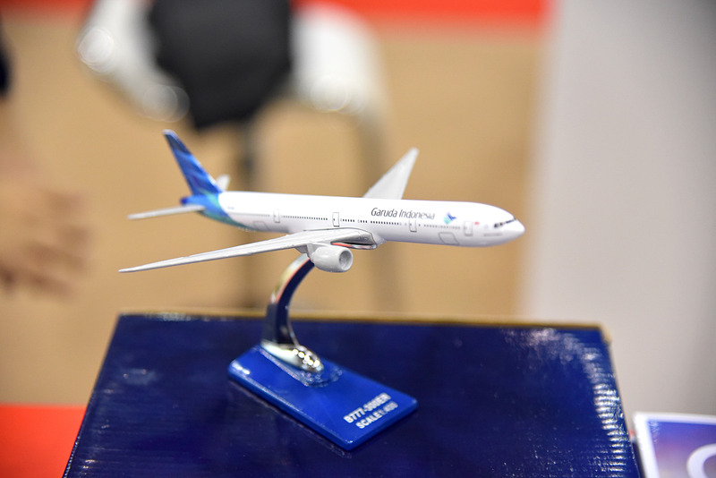 ガルーダ・インドネシア航空は日本語パンフレットとともにモデルプレーンも展示