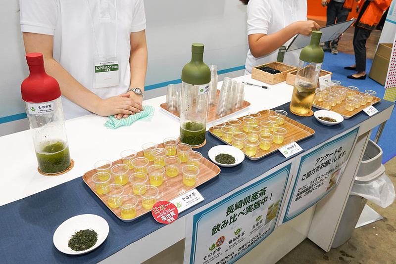 長崎県観光連盟ブースでは、そのぎ茶、世知原(せちばら)茶、五島茶の飲み比べ
