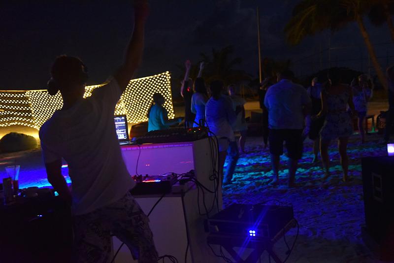 参加するとさらに楽しい「Maldivian Traditional Bodu Beru Show」