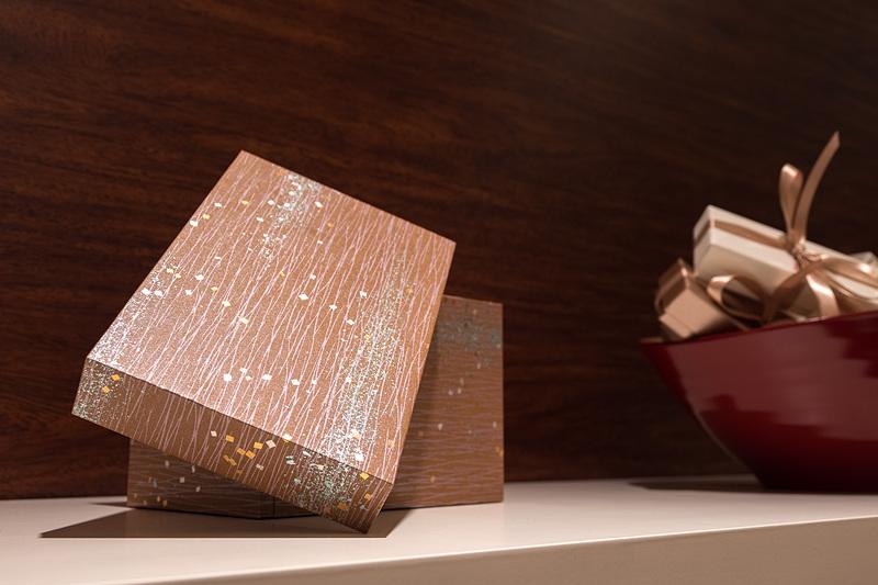 米国のお店で扱っているギフト用の桐の箱
