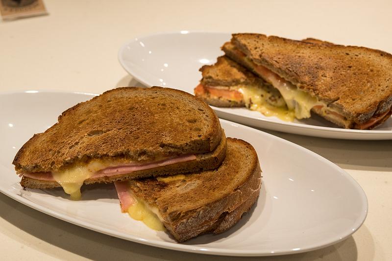 サンドイッチは単品850円、スープとサラダのセットで1000円