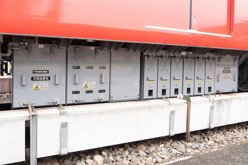 停電時に最寄り駅まで走行できるよう非常走行用のバッテリーを搭載