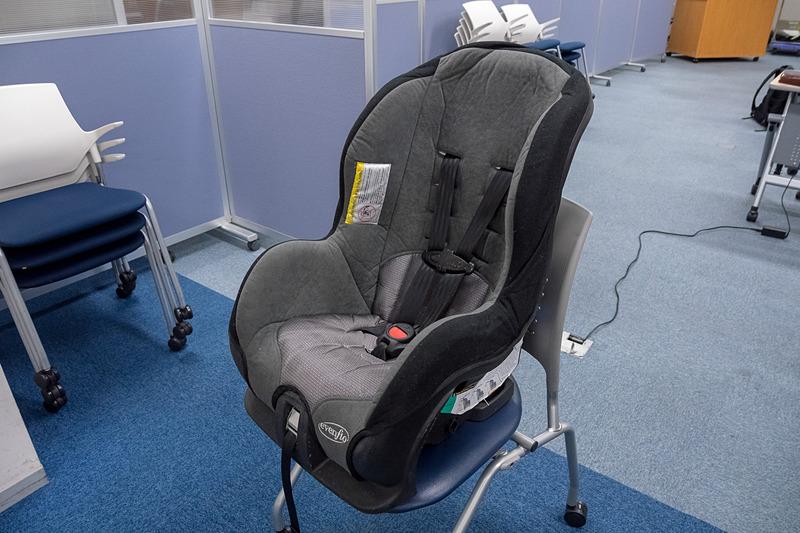 座位を保つのが難しい人のために用意している上体固定補助具の「アシストシート」