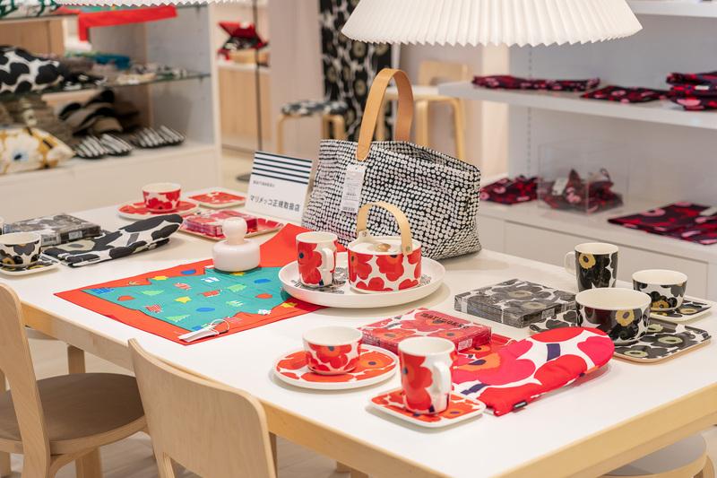 フィンランドといえばマリメッコ! キッチン用品からバッグなど幅広いラインナップで目移り必至です