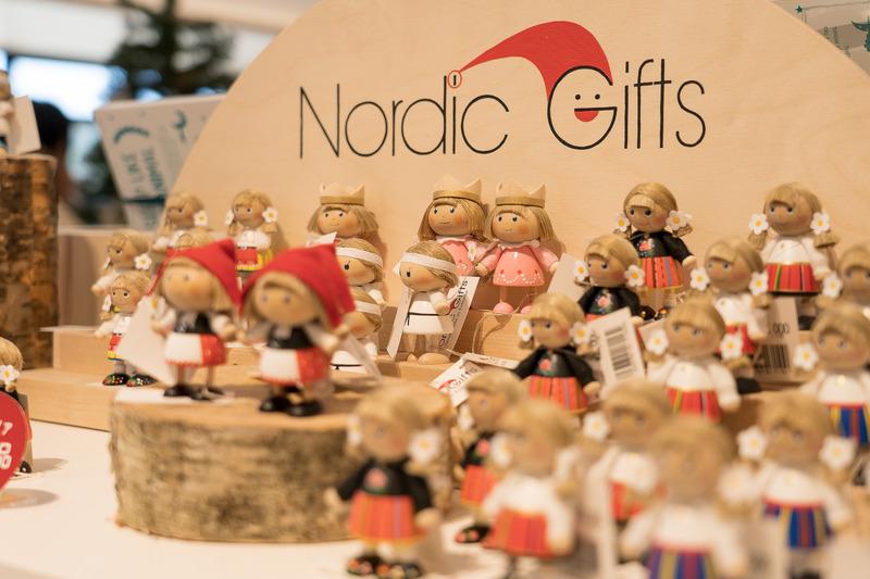 お土産にもぴったりな小物も充実しています。クリスマス関連の商品もたくさんありました