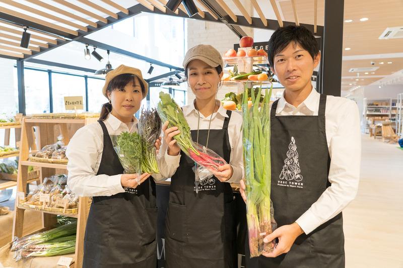 地元飯能で農薬や化学肥料を使わずに野菜を作る「ひより農園」の安心野菜が買えるショップ。スタッフさんが親切丁寧に教えてくれますよ