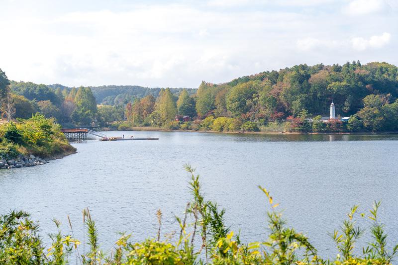 湖の向こう側は来春オープンするムーミンバレーパーク