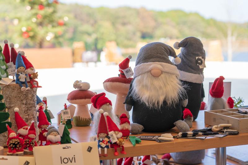 北欧のクリスマスマーケットを飯能でお手軽に楽しめちゃいます。とにかく雑貨が豊富。半オープンスペースなので開放的な気分で楽しめます