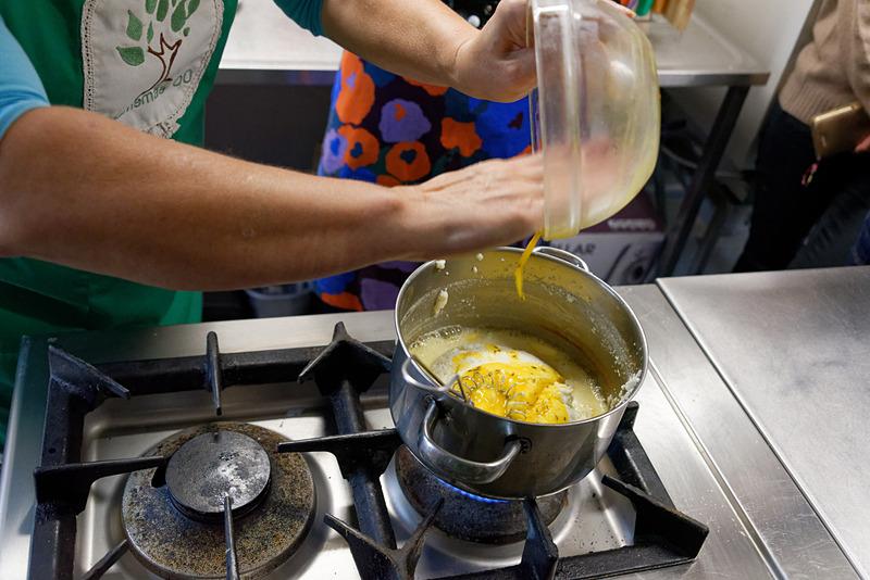 かき混ぜていた卵も入れる