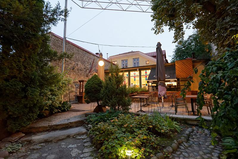 こちらはタリン旧市街にある別のレストラン「Leib RESTORAN」