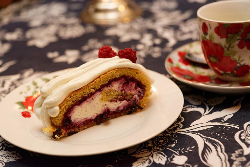 見た目は普通のケーキだが、これも蕎麦の実を使っている。しかし、どれも小麦を使った料理とも遜色なく、美味