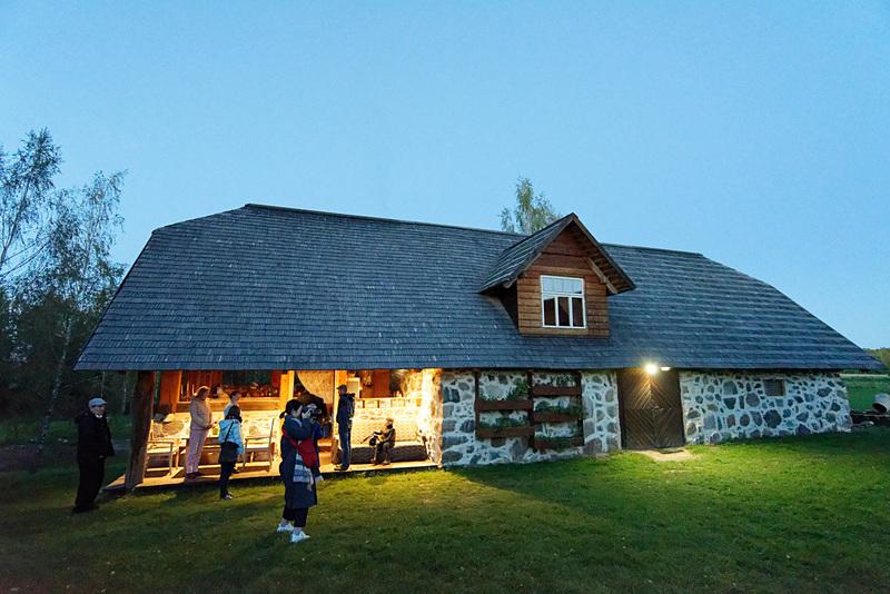 レストランとしては一般に開放していない。ただ、毎年エストニアの子供たちが合宿などで利用することがあるという。大人気で、参加できない子供も多数だとか