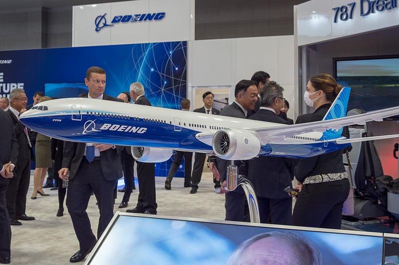 ボーイング 777-9型機のモデルプレーン