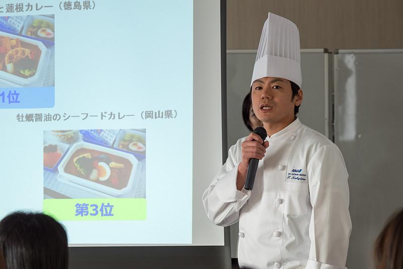 2位の「大山どりのカツカレー」を考案した洋食シェフの中嶋裕幸氏
