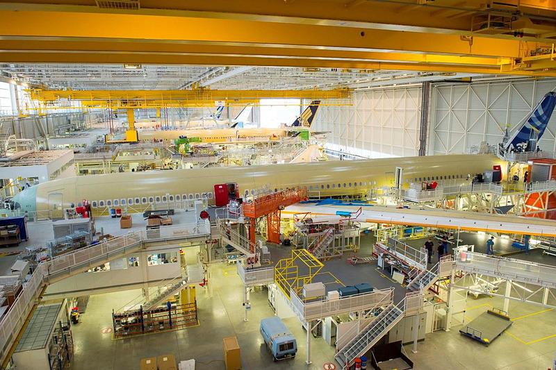 ジャルパックは、JMB(JALマイレージ会員)限定の特別ツアー「ボン・ヴォヤージュ!パリ航空ショーとA350の故郷エアバス本社工場を訪ねる7日間」の募集を開始した(C)AIRBUS S.A.S.2016