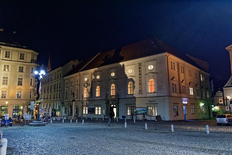 夜のレドゥタ劇場