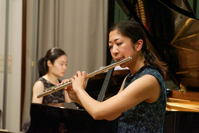 ライプツィヒの音楽大学で学ぶ日本人女性2人の演奏も堪能