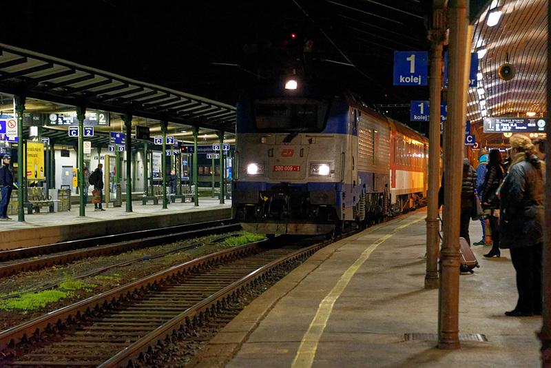 ブルノからプラハ行きの列車に乗車