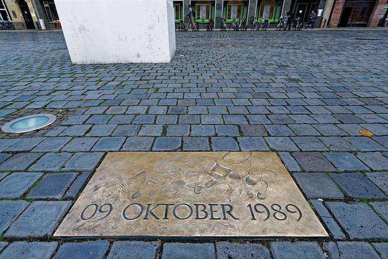 ベルリンの壁崩壊の端緒となった聖ニコライ教会から出発するデモの足跡