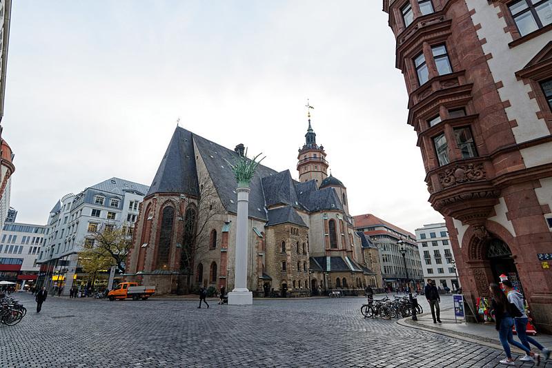そのベストアングルスポットから撮ったニコライ教会