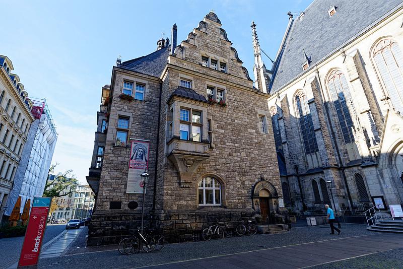 聖トーマス教会に隣接する聖トーマス学校。ここがかつてバッハの住まいともなっていたという