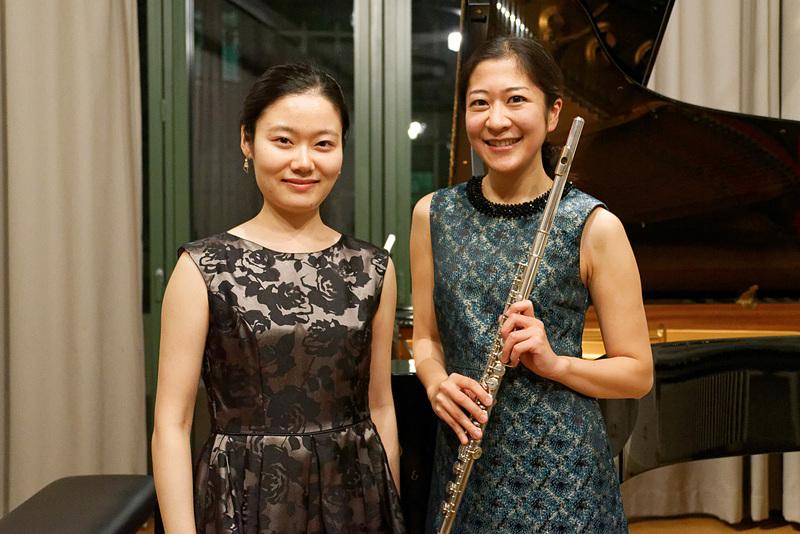 フェリックス・メンデルスゾーン・バルトルディ音楽演劇大学ライプツィヒで学ぶ渡辺晴香さん(左)と大井絵理子さん(右)