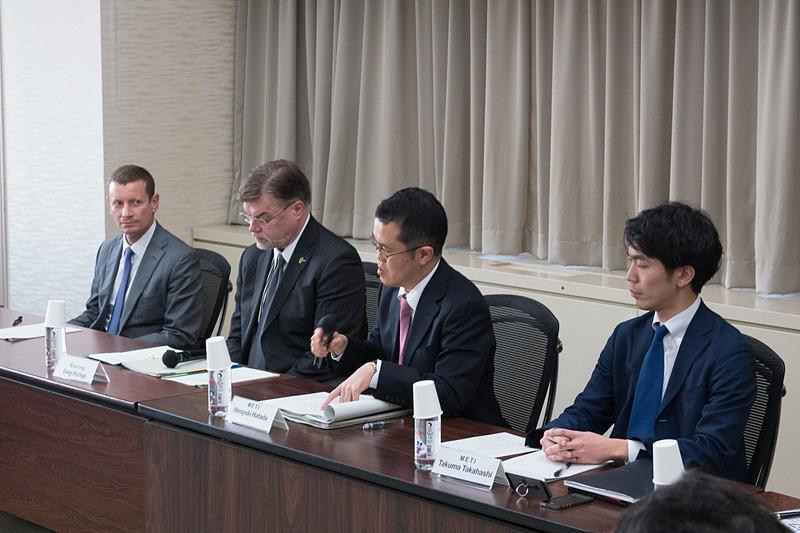 電動化技術、複合材技術、製造の自動化技術を持つ日本企業の担当者を交えたキックオフミーティングを実施