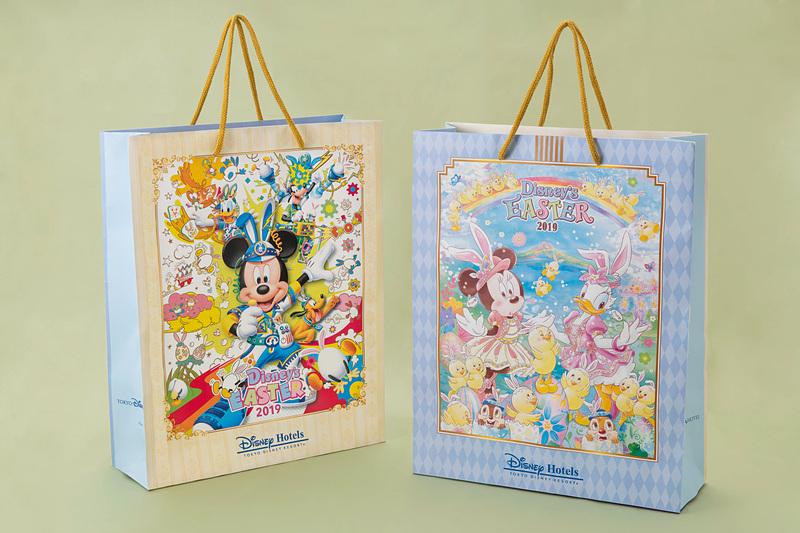 ディズニーアンバサダーホテルと東京ディズニーランドホテルで配布する限定デザインのペーパーバッグ