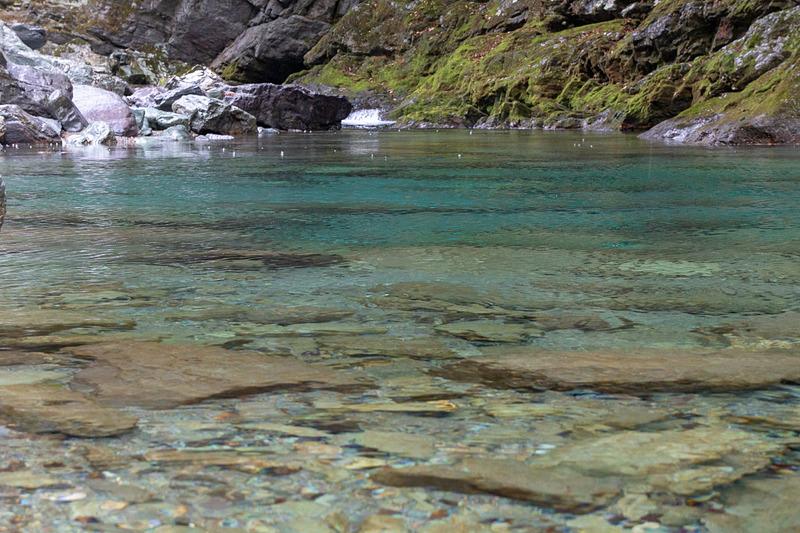 なぜここまで青いのか。不思議な魅力を持つ仁淀川水系