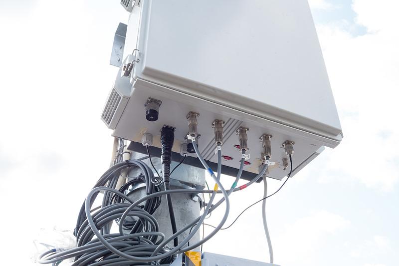 700MHz帯ITS無線の路側機(送受信機)