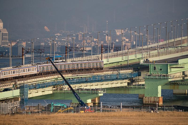 写真手前側がA1橋台側、奥がP2橋脚側