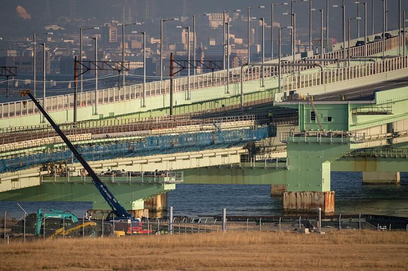 P1橋脚(左側)とP2橋脚(右側)の間