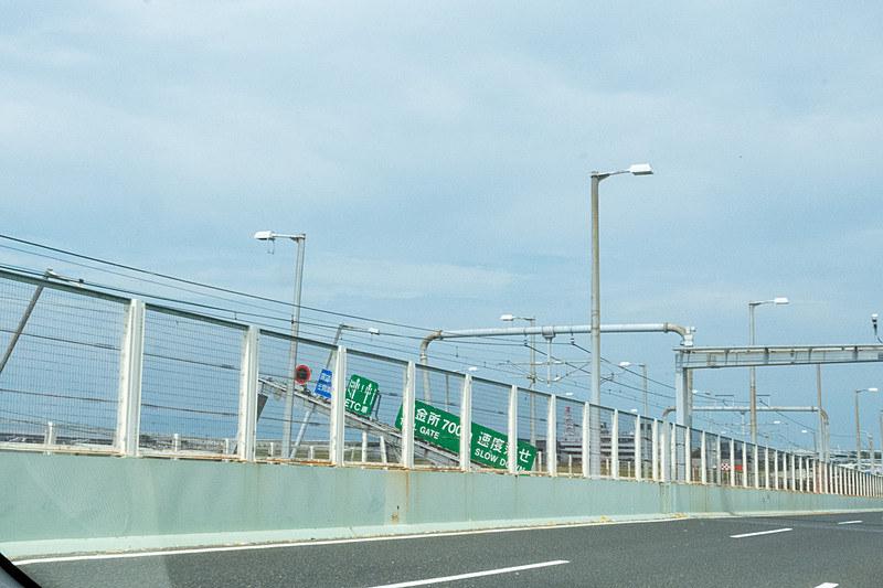 台風21号通過直後の2018年9月6日に撮影した関空連絡橋