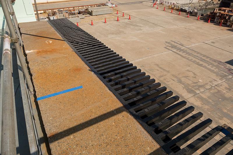 ジョイント部品も従来の橋桁から再利用している