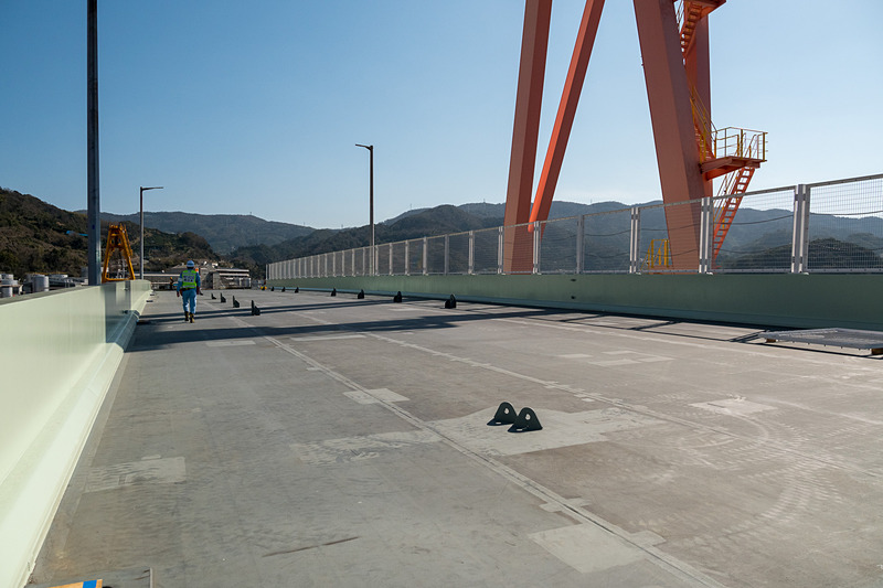 橋桁の上部