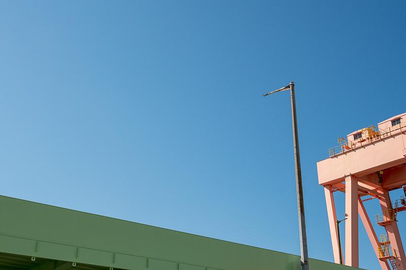 照明のためのポールも、NEXCO西日本がほかの場所から調達したという再利用品