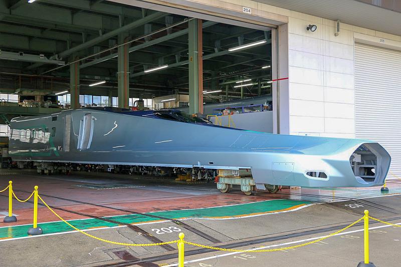 川崎重工業が製作しているALFA-Xの1号車(写真提供:東日本旅客鉄道)