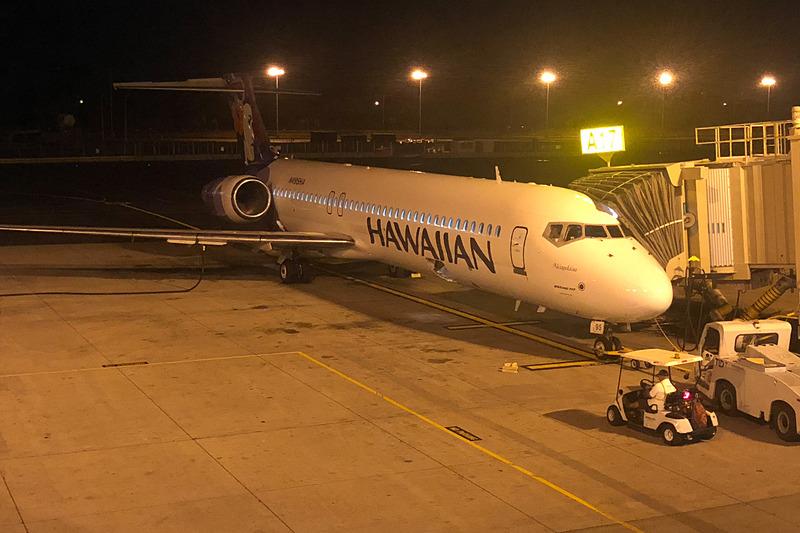 ハワイアン航空のボーイング 717型機でホノルルからコナへ