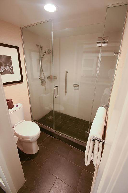 お風呂はシャワーブースのみだった