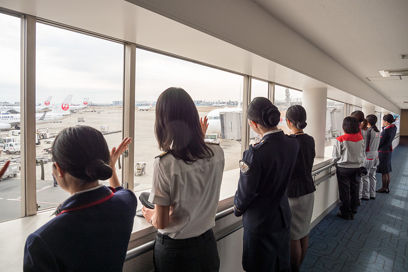 那覇へ出発するJL913便をお見送り
