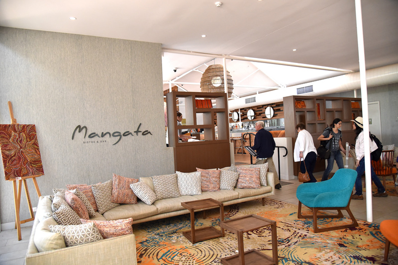 リゾート内の「デザートガーデンズホテル」内の「マンガータビストロ&バー」