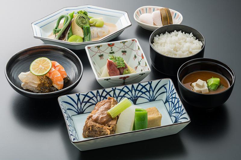 ビジネスクラスの和食の一例