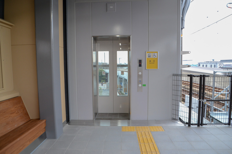1番線のエレベータは京都駅側(1両目)にある