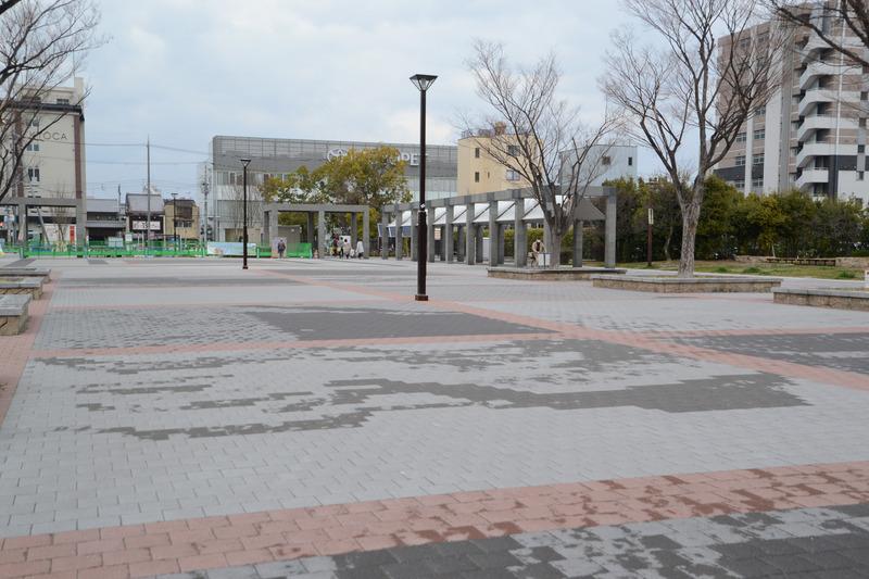 駅を背に左に歩くと七条通り
