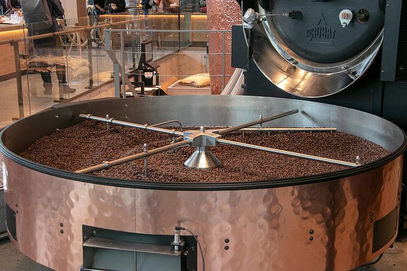 焙煎したコーヒー豆を冷却