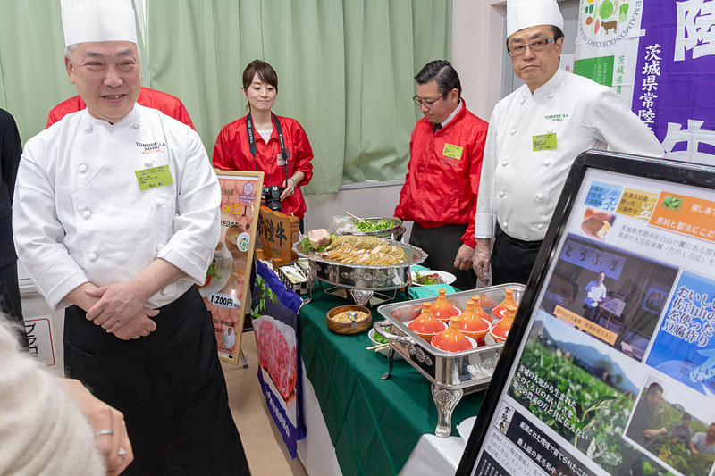 常陸牛のA5~A4の焼肉を使ったロコモコ風の丼をはじめ、茨城県産の素材のよさをしっかりとアピールしていた友部SAのブース