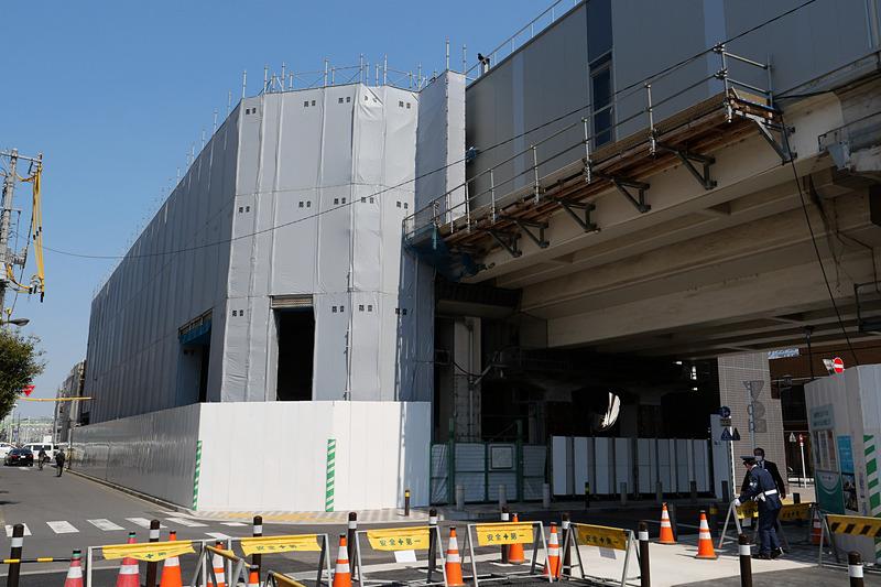 2020年12月完成を目標時、駅ビルの建て替えや改装も進められる