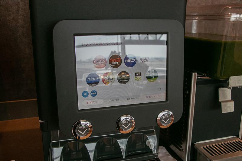 日本コカ・コーラのディスペンサーではコカ・コーラやジュース類などを選べる