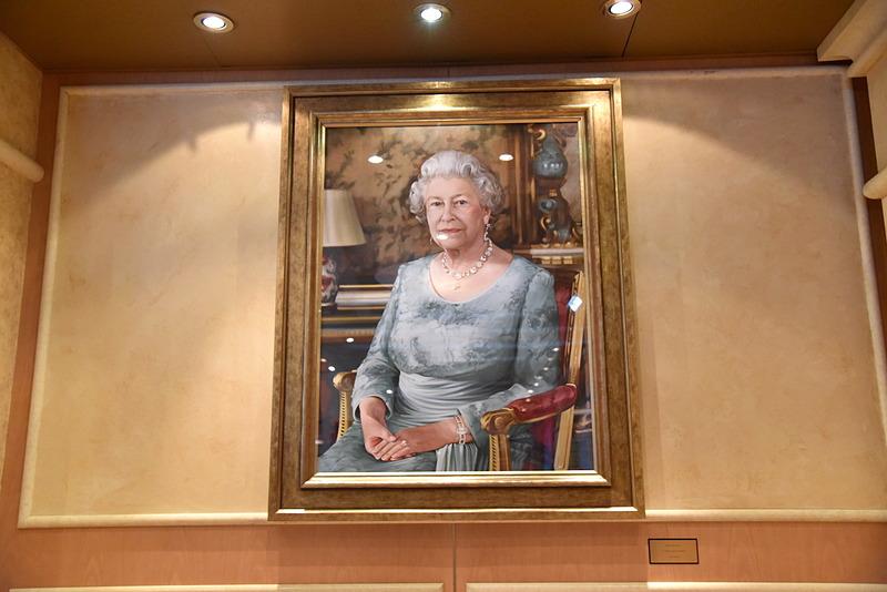 イザベル・ピーチー氏が描いたクイーン・エリザベス2世の肖像画